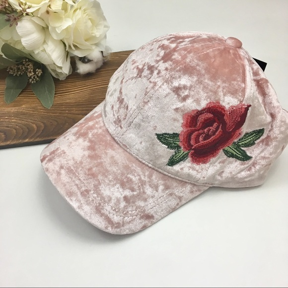 e5582ec35 Dusty Pink David & Young Velvet Rose Womens Hat NWT